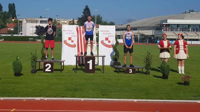 Luca Vinkerlić osvojio dvije medalje!
